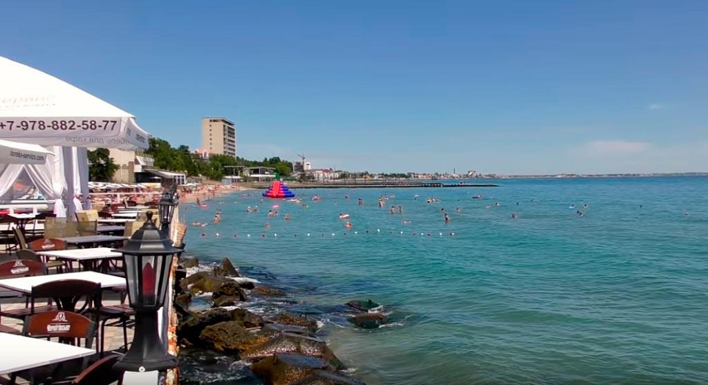 Первый городской пляж в Феодосии