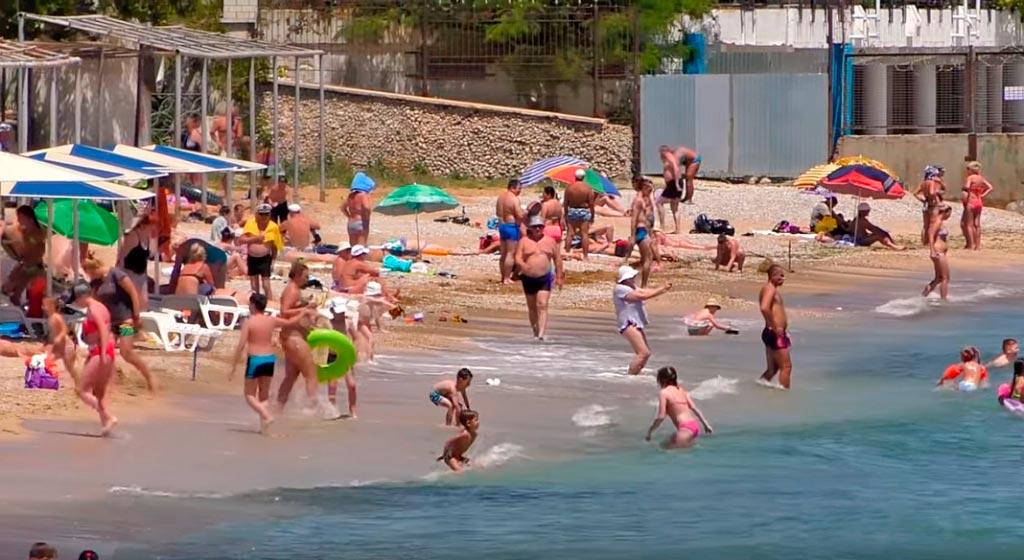 Первый Городской или Детский пляж в Феодосии