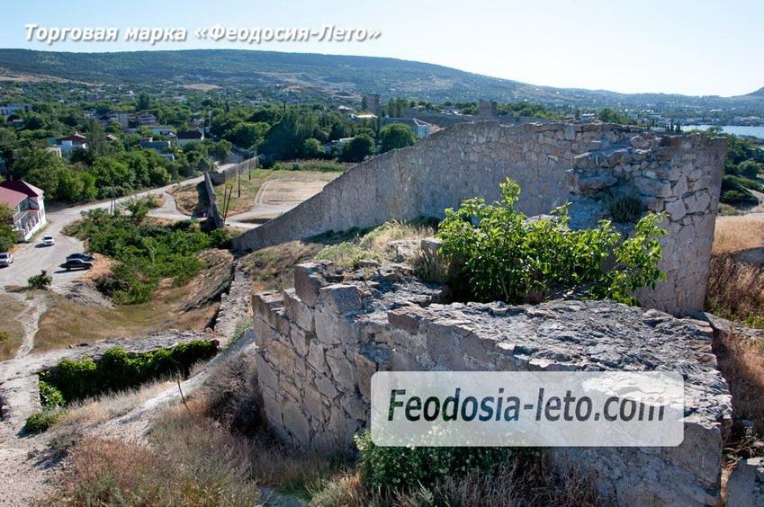 Крепостные стены на мысе Ильи