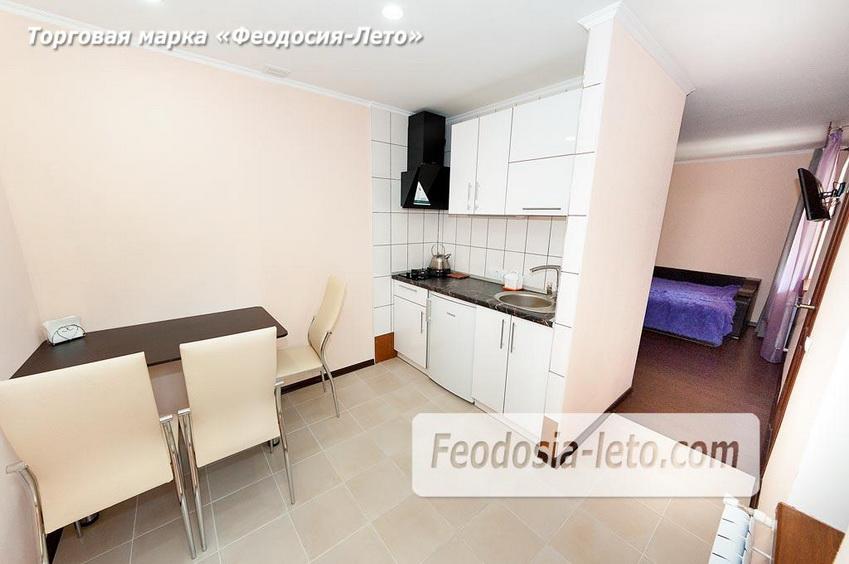 Кухня в номере 1 этаже коттеджа в Феодосии