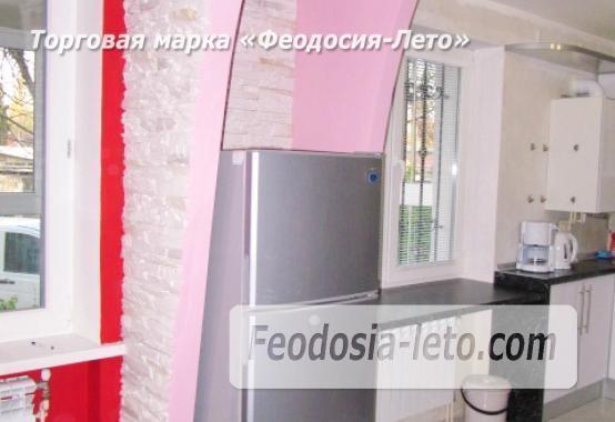2 комнатная колоритная квартира в Феодосии, улица Листовничей, 5 - фотография № 19
