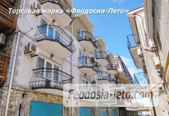 Эллинг в Феодосии по адекватной цене на Черноморской набережной - фотография № 1
