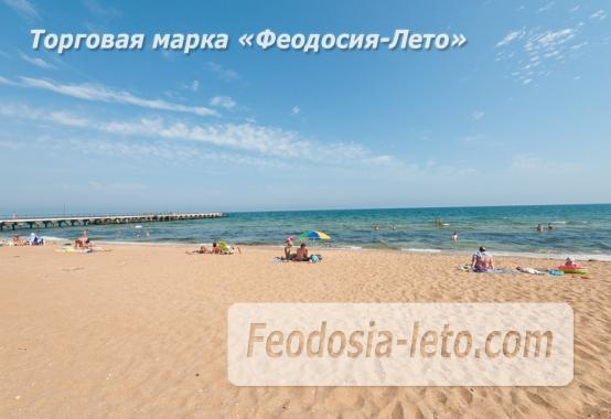 Эллинг на берегу моря на Золотом пляже в Феодосии - фотография № 17