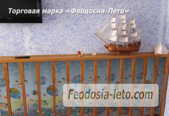 Эллинг со своим пляжем на Черноморской набережной в Феодосии - фотография № 3