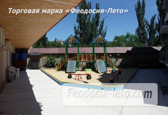 Гостевой дом с детской площадкой у моря на улице Строительная в Феодосии - фотография № 6