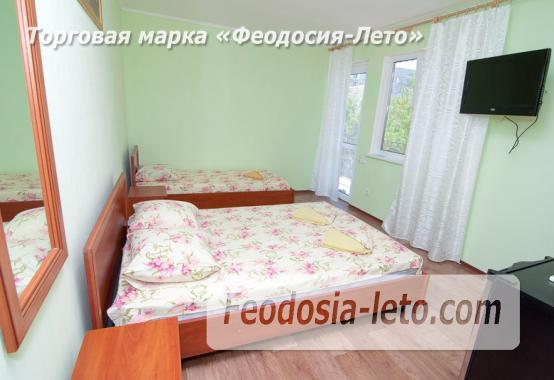 Гостиница с бассейном в Феодосии на улице Дружбы - фотография № 16