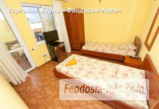 Гостиница с бассейном на улице Дружбы в Феодосии - фотография № 11