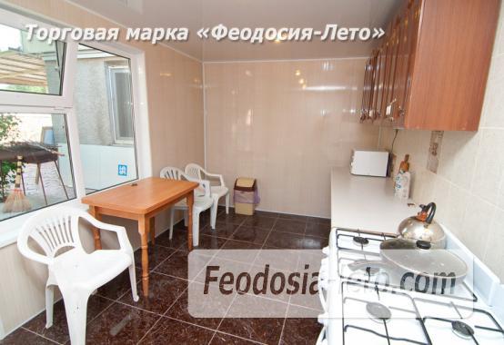 Гостиница с бассейном на улице Дружбы в Феодосии - фотография № 16