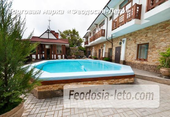 Мини отель в Феодосии с бассейном на улице Головина - фотография № 1