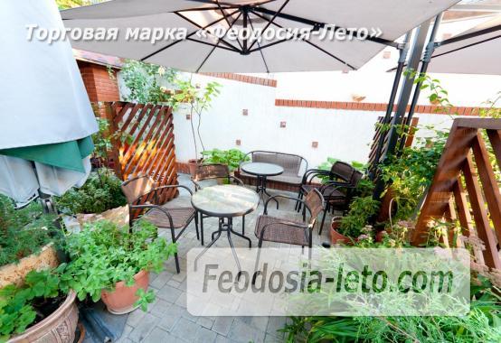 На берегу Чёрного моря 4 шикарных номера на улице Федько в Феодосии - фотография № 2