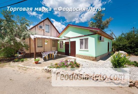 Номера в домиках на Керченском шоссе на Золотом пляже - фотография № 1