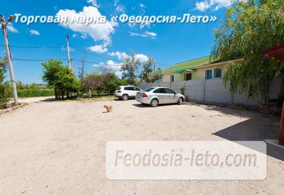 Номера в домиках на Керченском шоссе на Золотом пляже - фотография № 12