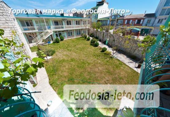 Новый отель в Феодосии на Черноморской набережной в 2-х минутах от моря - фотография № 1