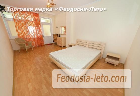 Новый отель в Феодосии на Черноморской набережной в 2-х минутах от моря - фотография № 2