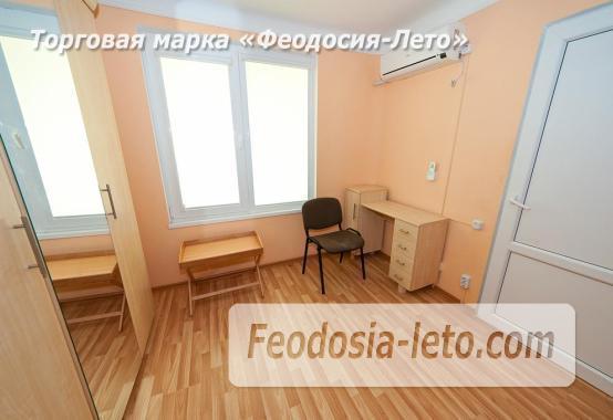 Новый отель в Феодосии на Черноморской набережной в 2-х минутах от моря - фотография № 10