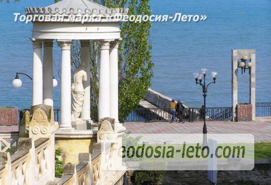 Пансионат с бассейном на набережной Феодосии, улица Революционная - фотография № 9