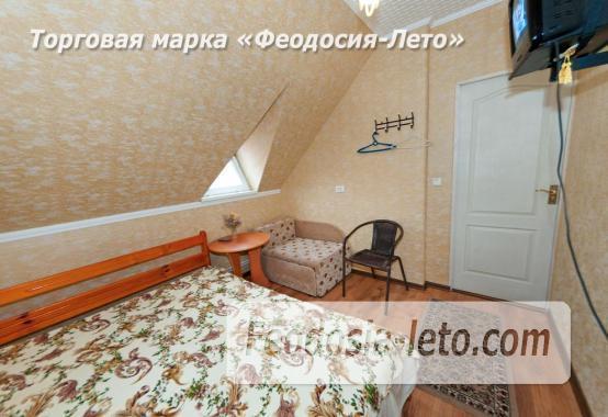 Частный сектор в г. Феодосия, район кинотеатра Украина - фотография № 11