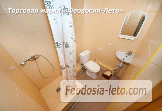 Тихий отель на улице 30 Стрелковой дивизии в Феодосии - фотография № 3