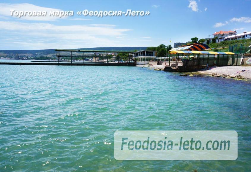Пляж Ай-Петри, рядом с кафе Суворинские камни в Феодосии - фотография № 20