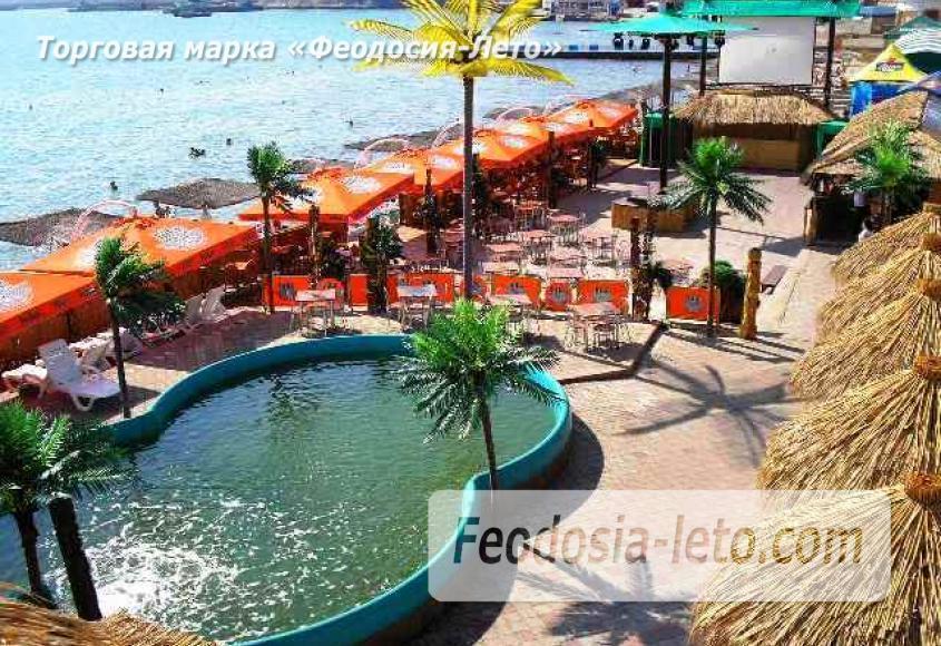 Центральный пляж Камешки в Феодосии - фотография № 3