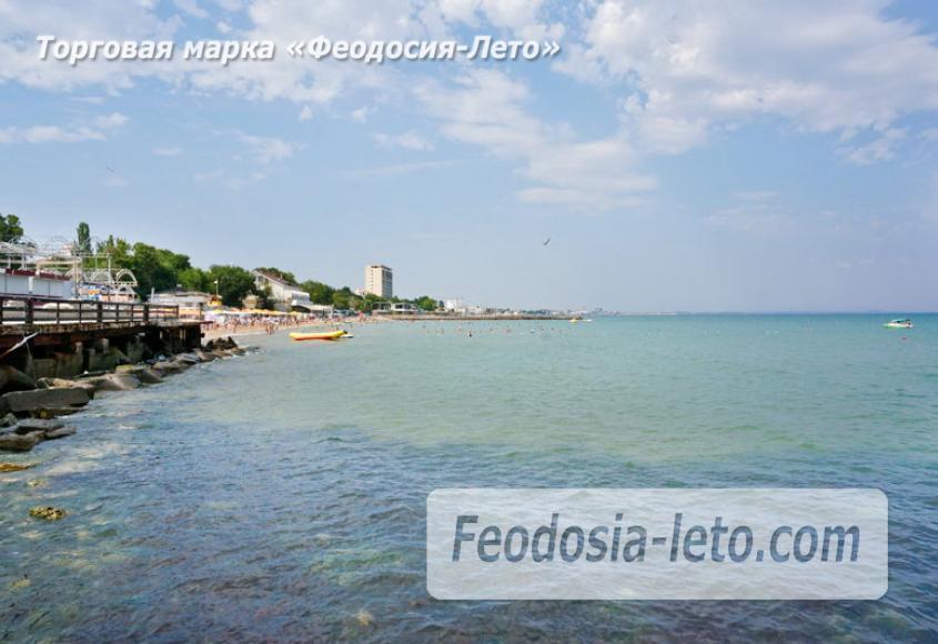 Центральный пляж Камешки в Феодосии - фотография № 12