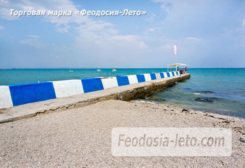 Центральный пляж Камешки в Феодосии - фотография № 6