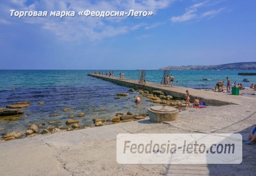 Пляж Ай-Петри, рядом с кафе Суворинские камни в Феодосии - фотография № 4