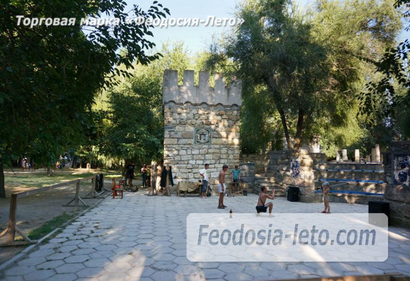 Комсомольский парк в Феодосии - парки города - фотография № 27