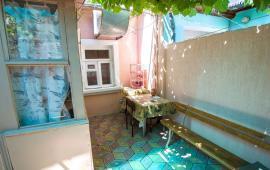 2-х комнатный номер в частном секторе в Феодосии на улице Советская