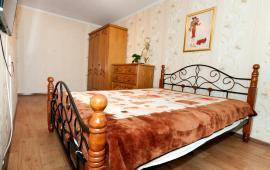 2-комнатная квартира у моря в Феодосии, переулок Шаумяна, 1