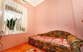2-комнатная квартира в Феодосии, улица Октябрьская