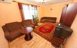 2 комнатная просторная квартира в Феодосии, улица Строительная, 1