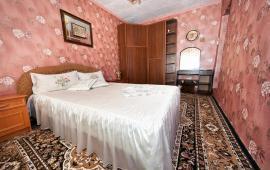 4 комнатный дом в Феодосии на улице Кочмарского