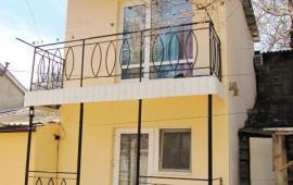 Двухэтажный коттедж в Феодосии, улица Чехова