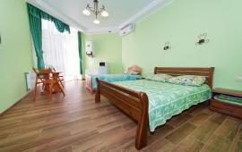 Однокомнатная квартира в Феодосии, Черноморская набережная, 1-Е