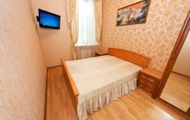 Однокомнатная квартира в Феодосии в центре, улица Победы, 12