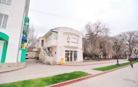 Отель в Феодосии рядом с центральной площадью на улице Земская