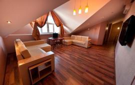Роскошные апартаменты в Консолевском доме, ул. Десантников 7-б