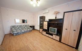 С хорошим ремонтом 1-комнатная квартира в Феодосии на улице Дружбы, 46