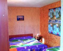 Домики в посёлке Береговое под Феодосией - фотография № 10
