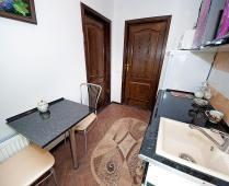 Гостиница с кухней в городе Феодосия, улица Федько - фотография № 1