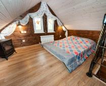 Однокомнатный номер на 1 этаже с розовым диваном в Феодосии - фотография № 9