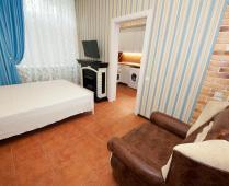 2-х уровневый номер на втором этаже в Феодосии - фотография № 8
