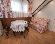 Однокомнатный номер на 2 этаже в классическом стиле в Феодосии - фотография № 3
