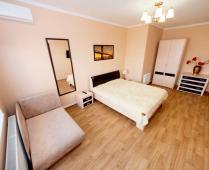 Второй этаж дома в Феодосии в районе Белого Бассейна - фотография № 3