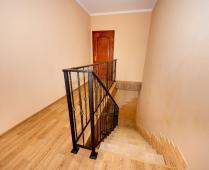 Второй этаж дома в Феодосии в районе Белого Бассейна - фотография № 6