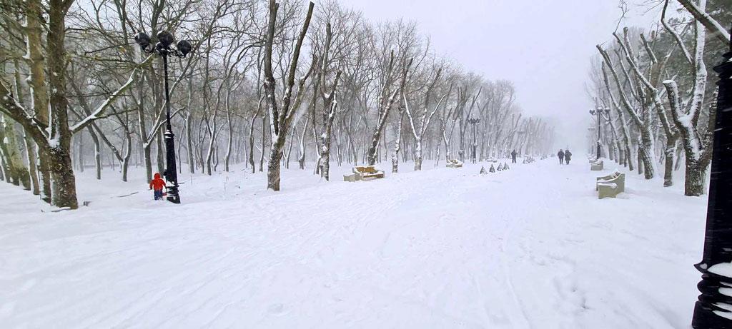 Очень много выпало снега в Феодосии