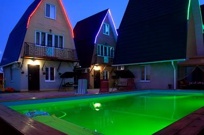 Дом с бассейном на Золотом пляже