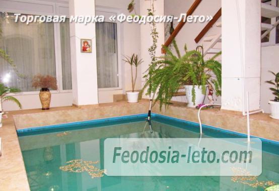 Роскошный гостевой дом с бассейном в Феодосии на улице Куйбышева - фотография № 2