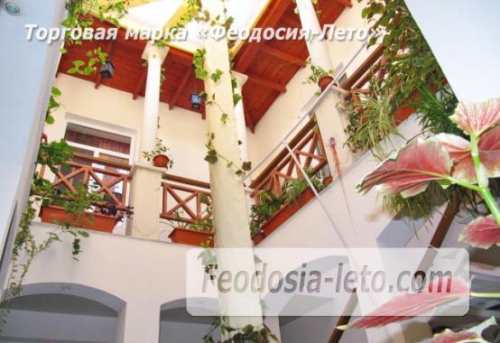 Роскошный гостевой дом с бассейном в Феодосии на улице Куйбышева - фотография № 4